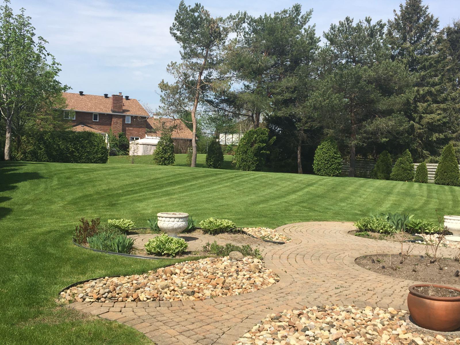 About Ottawa Lawn Maintenance Services Cutaway Ca
